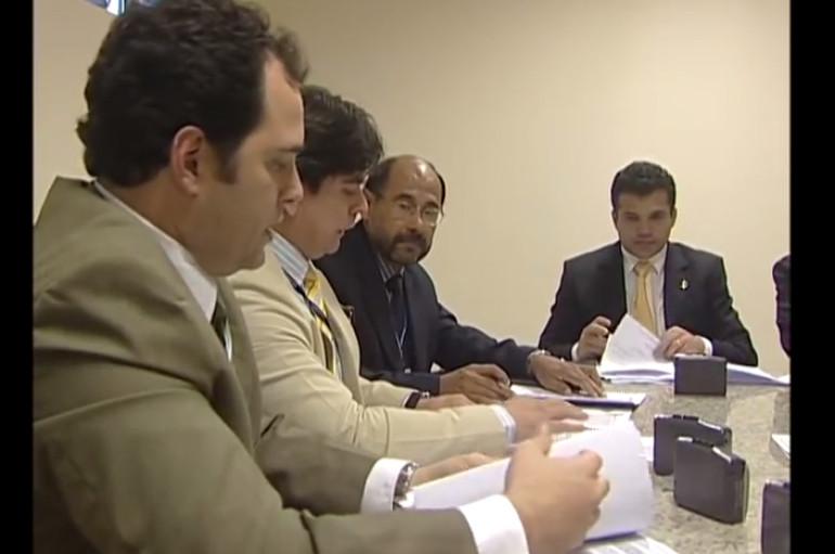 Técnicos do Departamento Nacional de Produção Mineral reúnem-se com deputados da CCJ para alertar sobre inconstitucionalidade do projeto em trâmite na ALE. Enviado em 24 de set de 2009