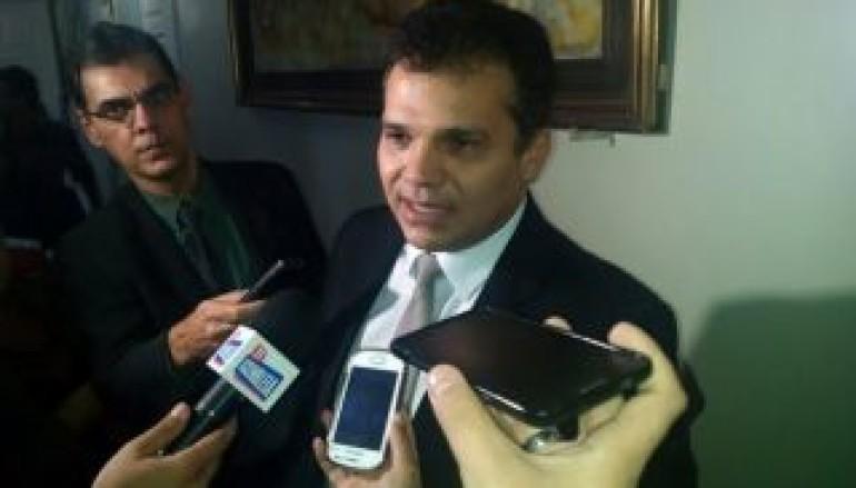 Ricardo Nezinho deixa a Mesa Diretora