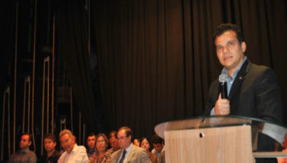 Em discurso na Assembleia Legislativa, Wilton Malta ressalta importância da educação e capacitação profissional