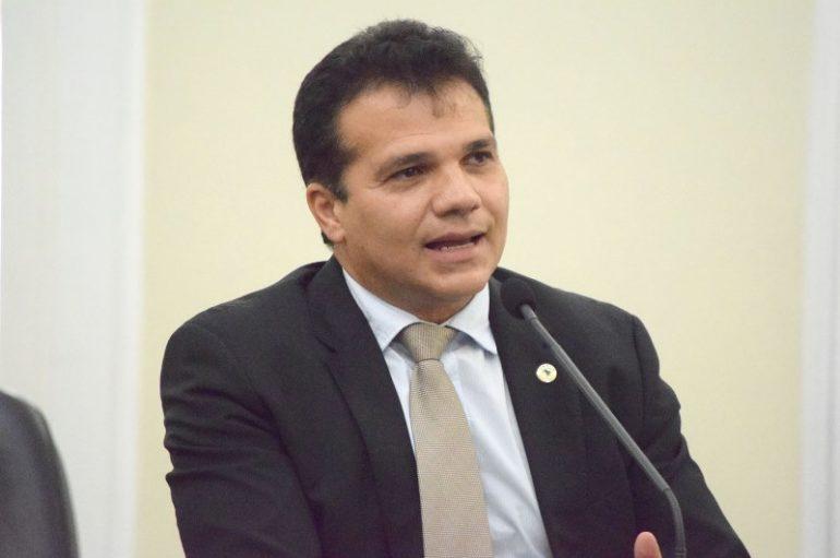 Ricardo é eleito presidente da Comissão de Orçamento