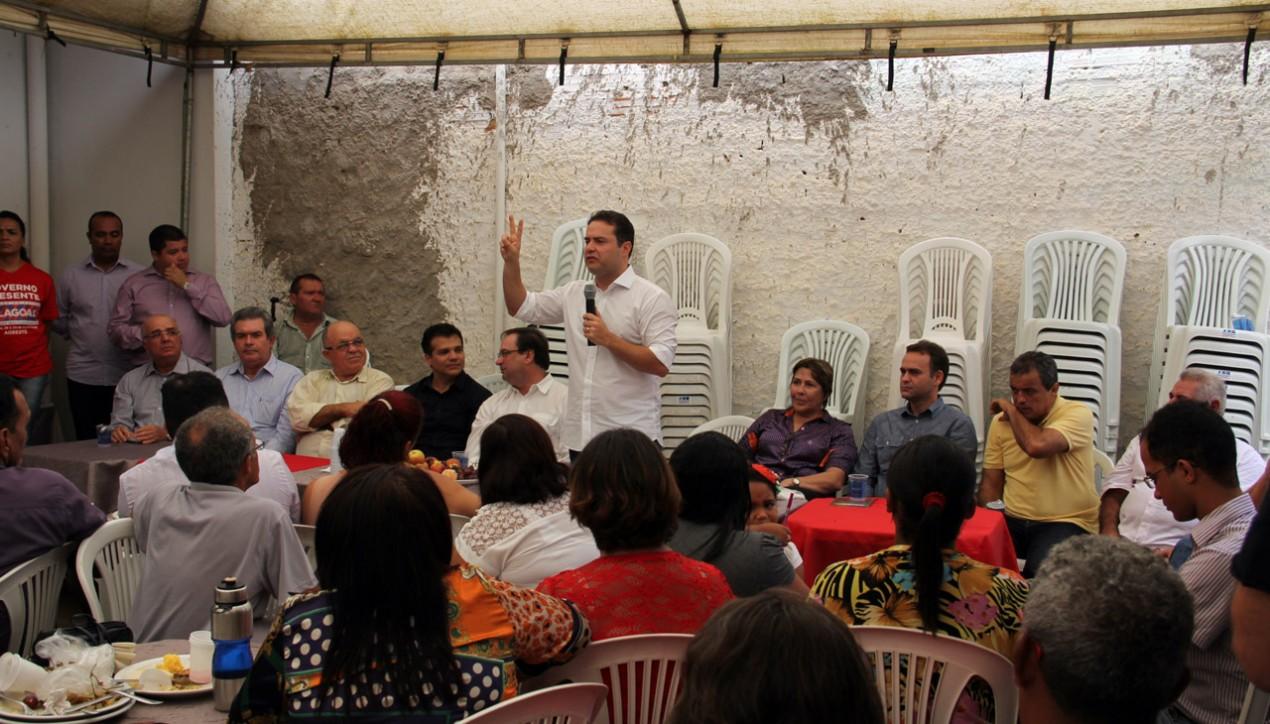 Ricardo defende fortalecimento dos movimentos comunitários