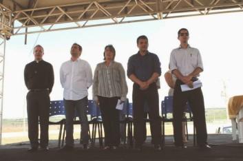 ENTREGA DOS LOTES AOS EMPREENDEDORES DO POLO MOVELEIRO (29-10-2013)
