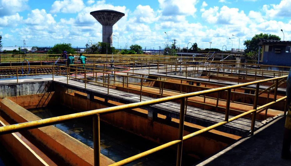 Ricardo critica fornecimento de água e energia em Arapiraca