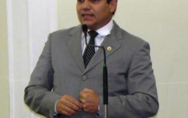 Ricardo Nezinho convoca audiência pública para debate da LDO 2016