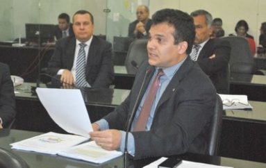 """Ricardo Nezinho abraça a causa da """"Escola Sem Partido"""" em projeto de lei"""
