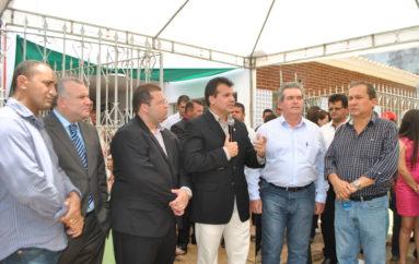 Deputado Ricardo Nezinho participa de festa da emancipação dos 52 anos de Coité do Nóia