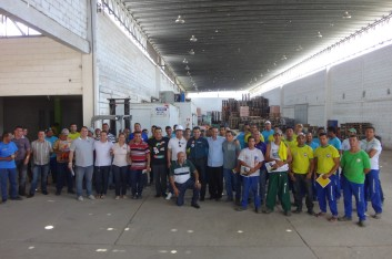 Visita a empresa Unicompras (30-09-2014)