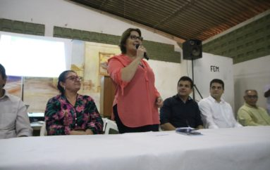 Prefeitura ouve sugestões e apresenta projetos para o bairro Canafístula