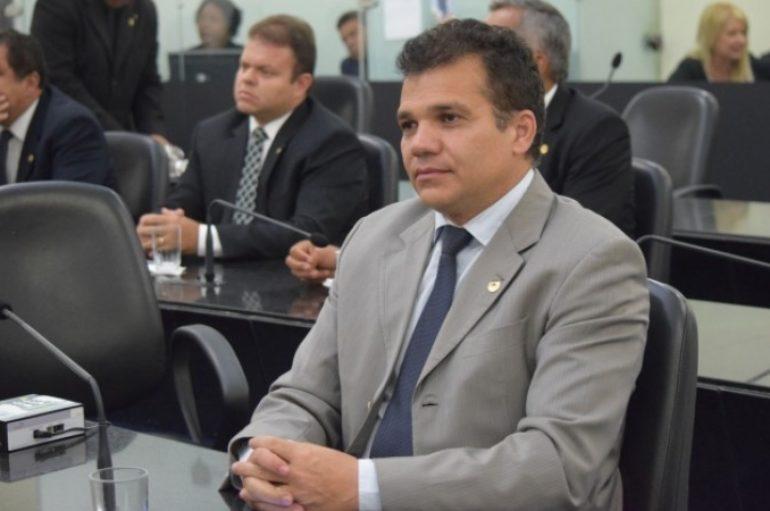 Ricardo Nezinho enaltece ação do governador pela instalação do IC em Arapiraca