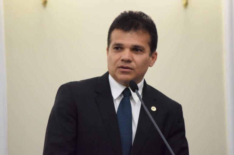 Plenário da Assembleia derruba veto do Executivo ao Programa Escola Livre
