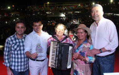 Com homenagem à Ditinha, shows de forró abrem o Arraiá Central