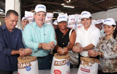 Comunidades quilombolas de Arapiraca recebem 48 toneladas de sementes