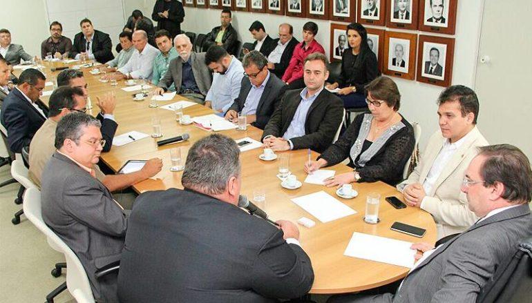 Reunião com o governador em exercício Luciano Barbosa