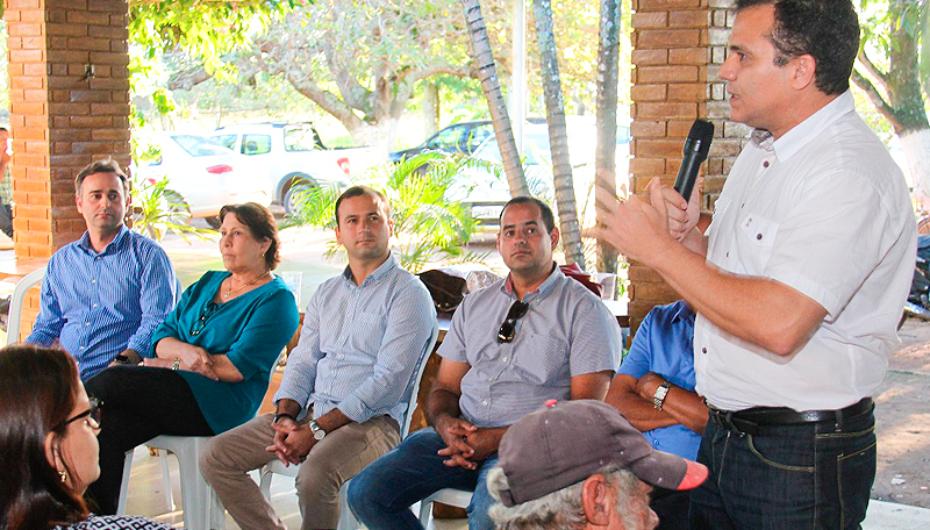 Debate com lideranças comunitárias