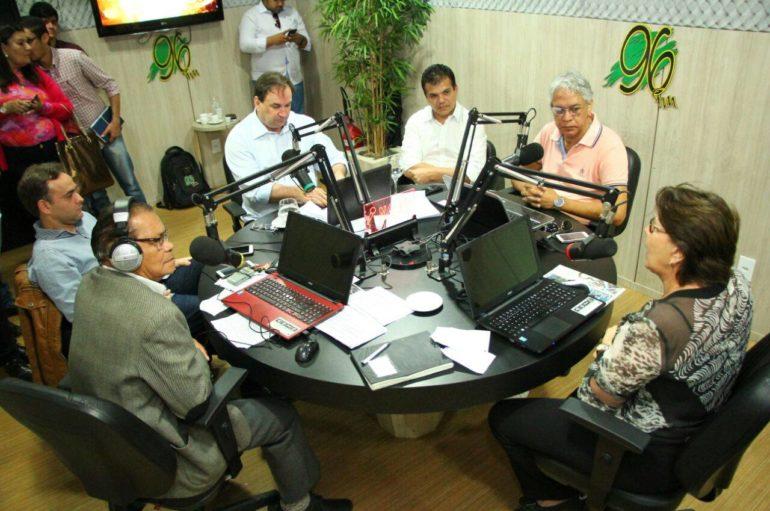 Entrevista para a rádio 96 FM.