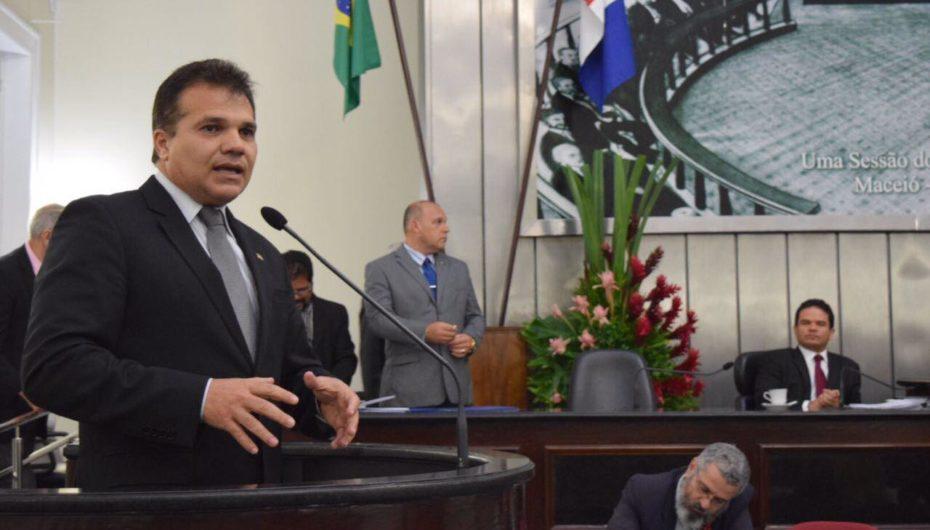 Nezinho solicita audiência com Teófilo para definir instalação do IC em Arapiraca