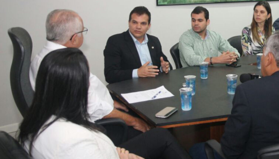 Ricardo Nezinho participa de reunião com mais sete deputados para discutir instalação do IC em Arapiraca