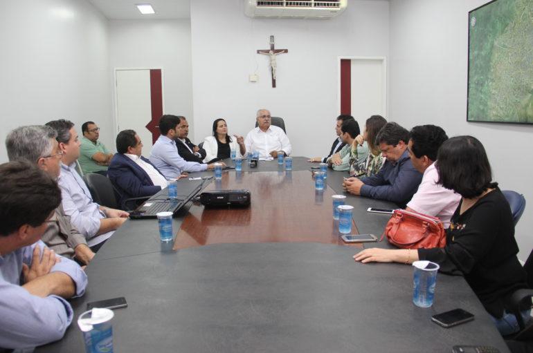 Deputados discutem parceria com gestor de Arapiraca para funcionamento do IC