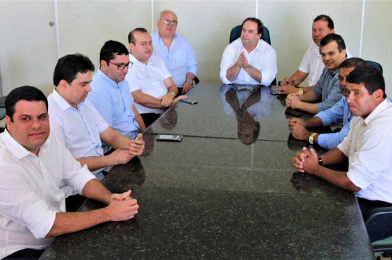 """""""O Programa Escola 10 vai melhorar o IDEB da nossa Educação"""", afirma vie-governador"""