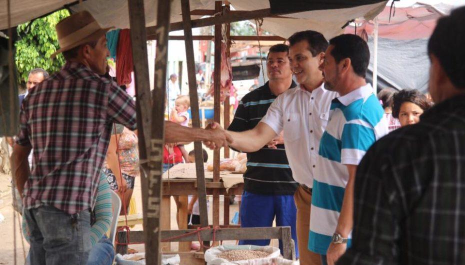 Ricardo Nezinho debate demandas com moradores do Agreste