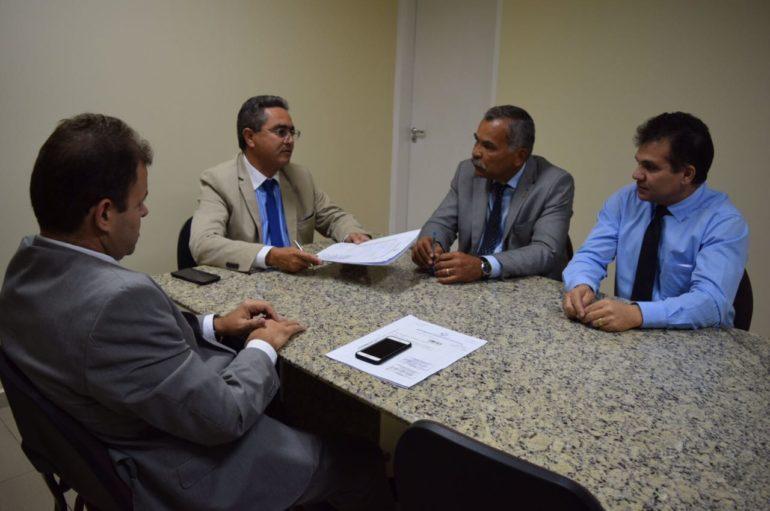 Comissão fará visitas para identificar problemas em escolas públicas