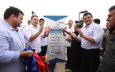 Em dia festivo, Ricardo Nezinho participa dos 59 anos de emancipação de Cacimbinhas