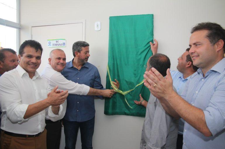 Ricardo Nezinho parabeniza população em dia marcante para Coité do Nóia
