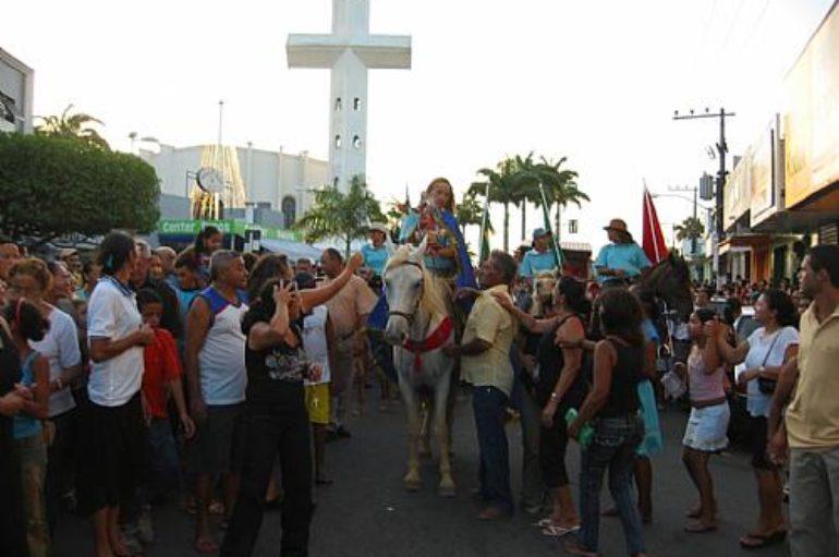 Procissão reúne 50 mil devotos em Arapiraca