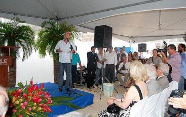 Renan participa da inauguração do Sesc