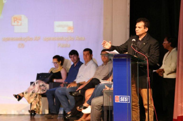 Ricardo Nezinho defende mais recursos para o transporte de universitários