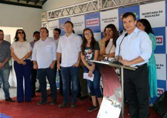Ricardo Nezinho diz que obras e programas fazem Educação avançar em AL