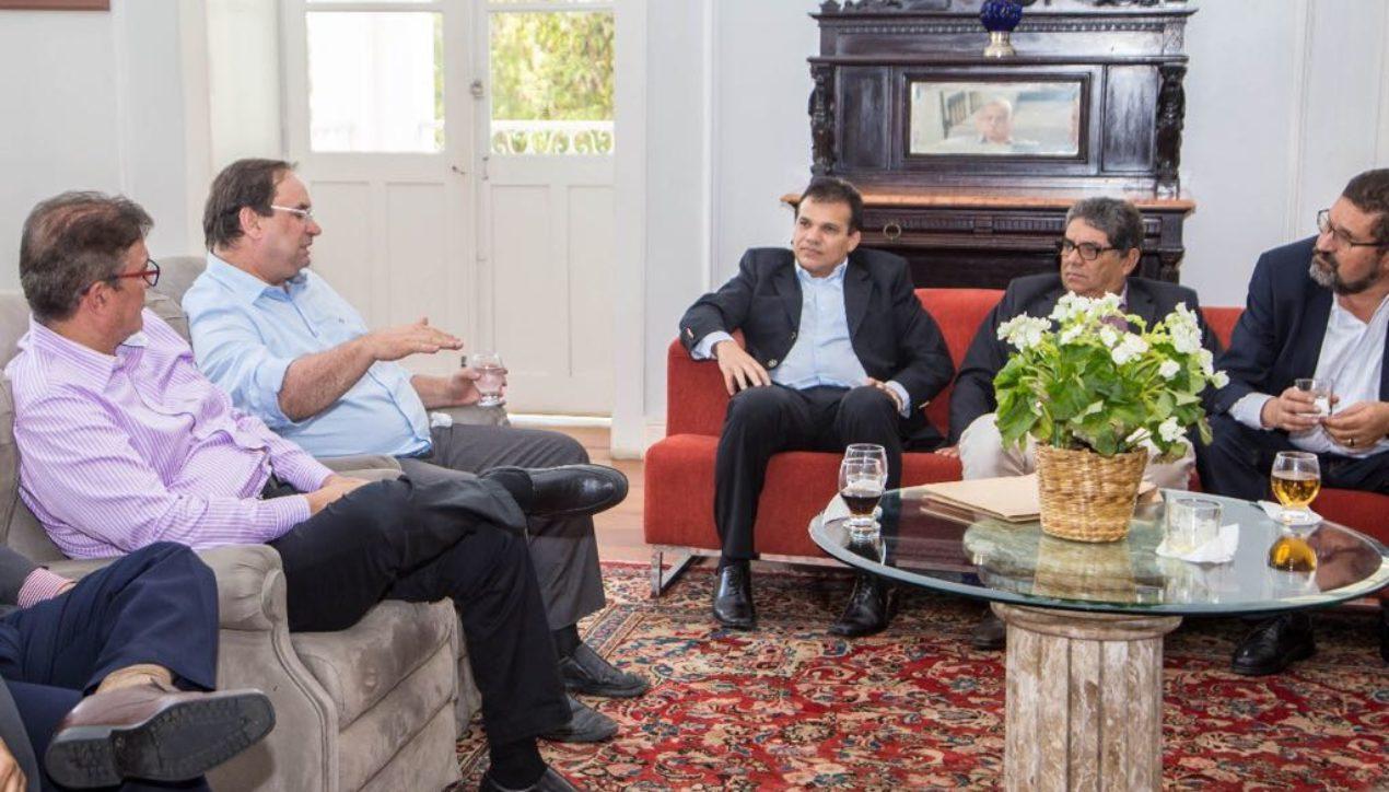 Ricardo Nezinho acompanha reunião da Acesa com governador em exercício Luciano Barbosa