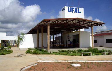 Deputados, prefeitos, estudantes e representantes da Ufal participam de audiência pública
