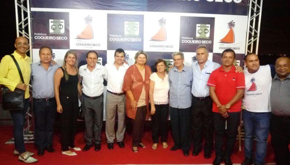 Ricardo Nezinho parabeniza população em dia festivo para Coqueiro Seco