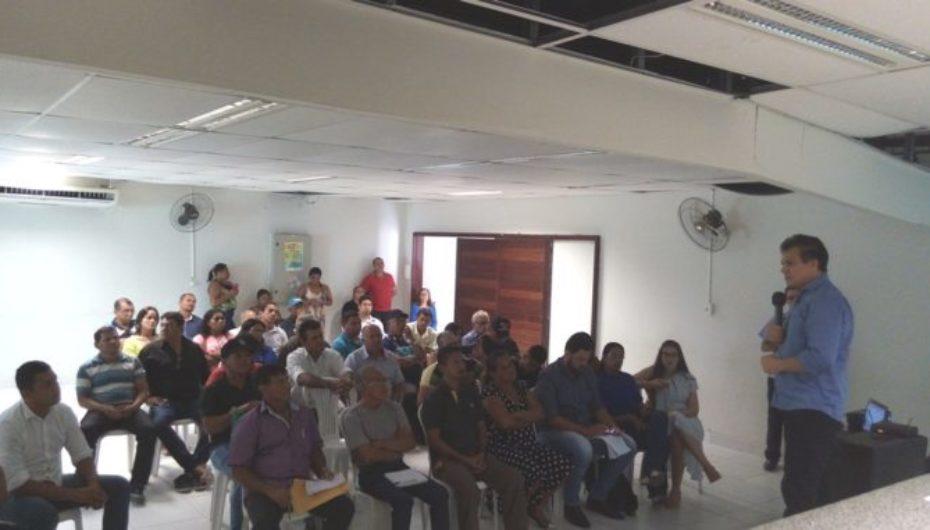 Ricardo Nezinho participa com vereadores de reunião da Facomar