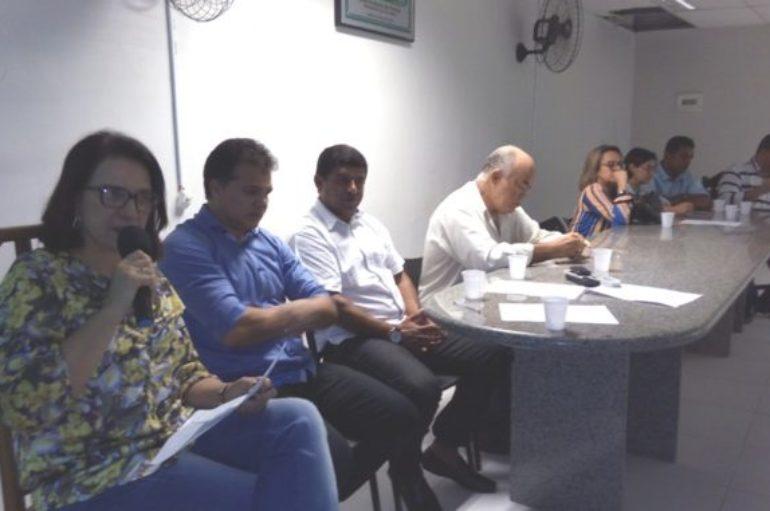 Professora Graça discute com deputado Ricardo Nezinho, vereadores e líderes comunitários, ações da Facomar