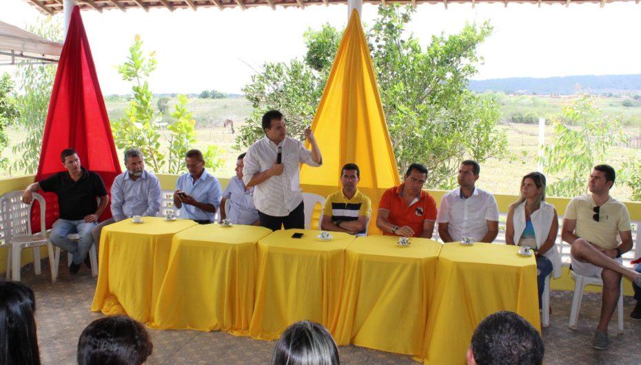 Deputado Ricardo Nezinho debate desenvolvimento com lideranças em Craíbas