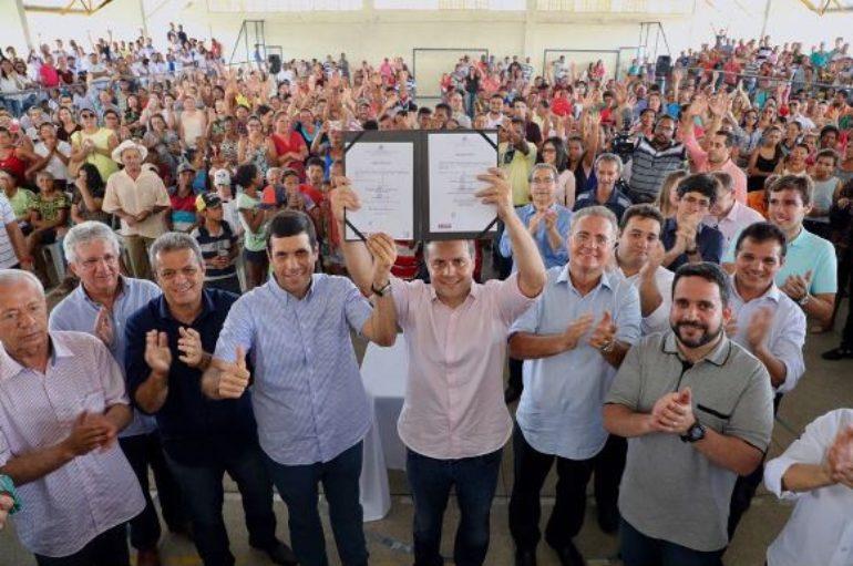 Deputado Ricardo Nezinho prestigia ações do programa Pró-Estrada em Cacimbinhas