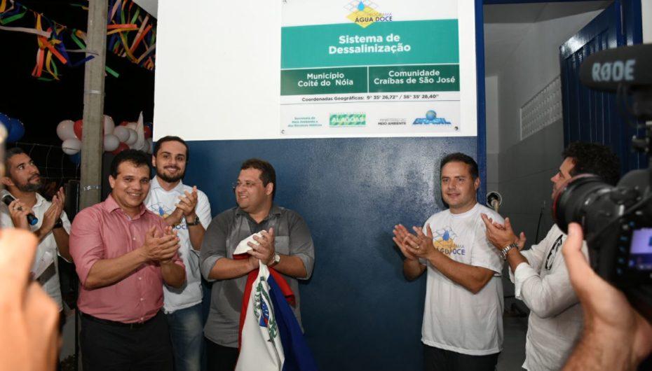 Ricardo Nezinho acompanha entrega de poços artesianos em Coité do Nóia