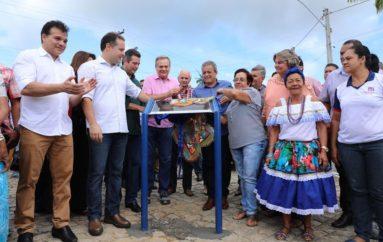 Governador destaca avanços em Coqueiro Seco e anuncia pavimentação asfáltica até Santa Luzia