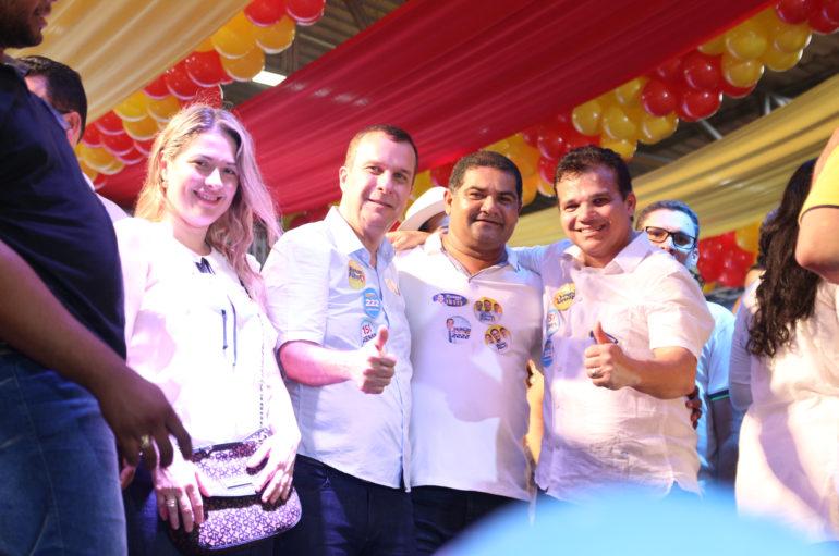 Ricardo Nezinho participa de lançamento de candidaturas de Renan Filho e Luciano Barbosa, em Arapiraca