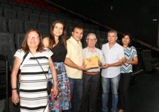 Professor Valdemar Macêdo tem documentário sobre sua vida apresentado pelo Projeto Raizes de Arapiraca no Garden Shopping