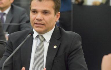 Promulgada lei que institui meia-entrada para professores em Alagoas