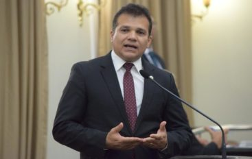 Ricardo Nezinho convida para festejos do aniversário de Arapiraca e para exibição do filme Concatedral