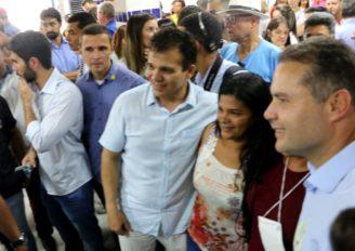 Ricardo Nezinho participa da 10ª edição do Governo Presente em Arapiraca e destaca avanços na educação e segurança