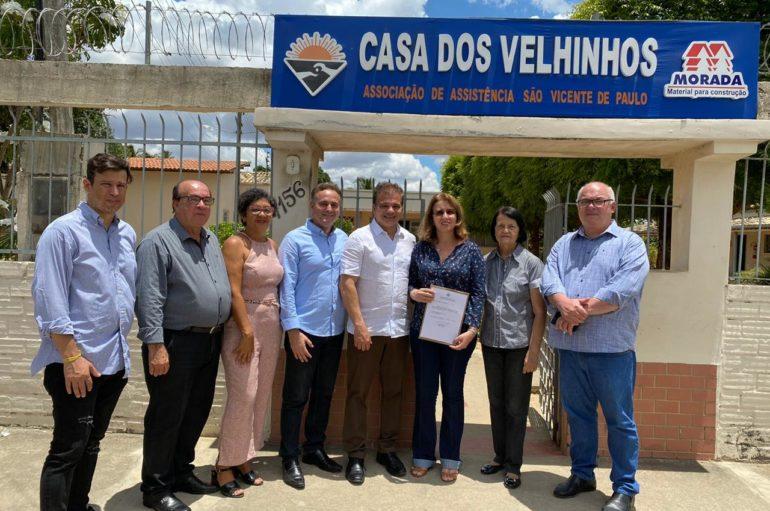 Ricardo Nezinho garante destinação de R$ 70 mil para Casa dos Velhinhos
