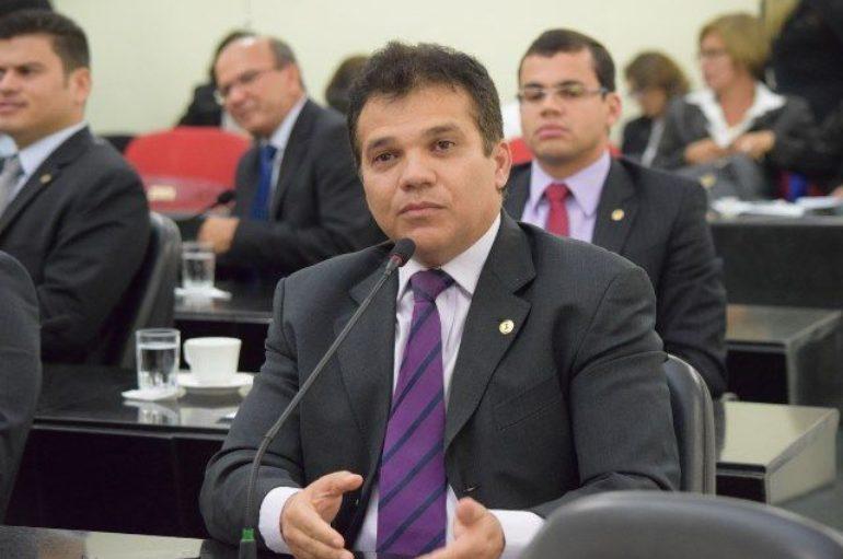 Ricardo Nezinho lidera pesquisa de intenção de voto para Prefeitura de Arapiraca