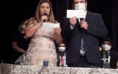 Luciano Barbosa e vereadores eleitos em Arapiraca são empossados