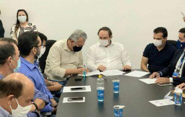Paulão assina convênio para pavimentação em Arapiraca