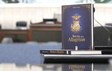 """Assembleia relança a obra """"Terra das Alagôas"""" em comemoração aos 204 anos do Estado"""